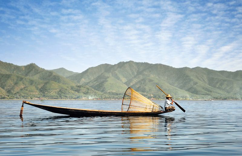 23-David-Lazar-Fisherman-on-Inle-Lake